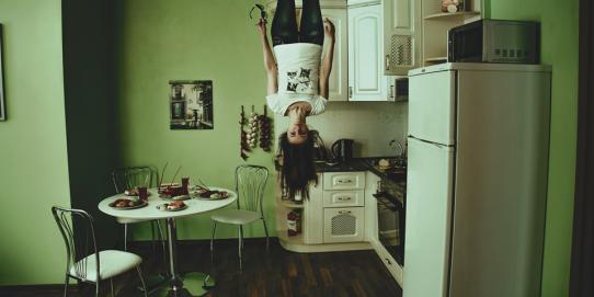 L'idée de vivre sans frigidaire vous fait froid dans le dos ? Pourtant, l'électricité n'est arrivée dans les maisons qu'en 1881 et les réfrigérateurs à parti de 1923. Alors vous pouvez surement vous en passer !